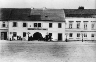 hostinec_1910_small.jpg